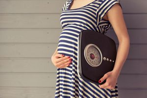 Pregnant women with scales