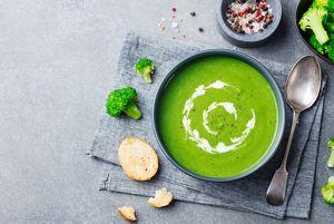 Brokkoli-Pfefferminz-Suppe