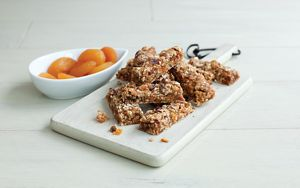 Date And Apricot Cereal Bars 1